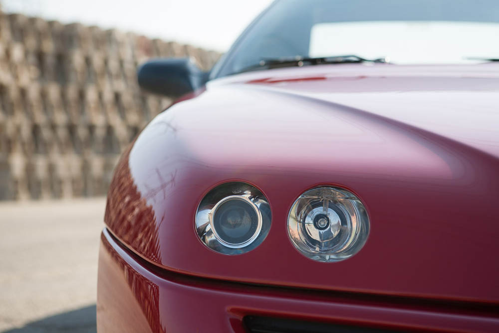 Alfa Romeo Spider front close