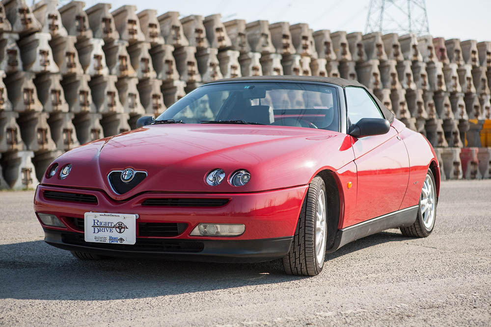 Alfa Romeo Spider front side2